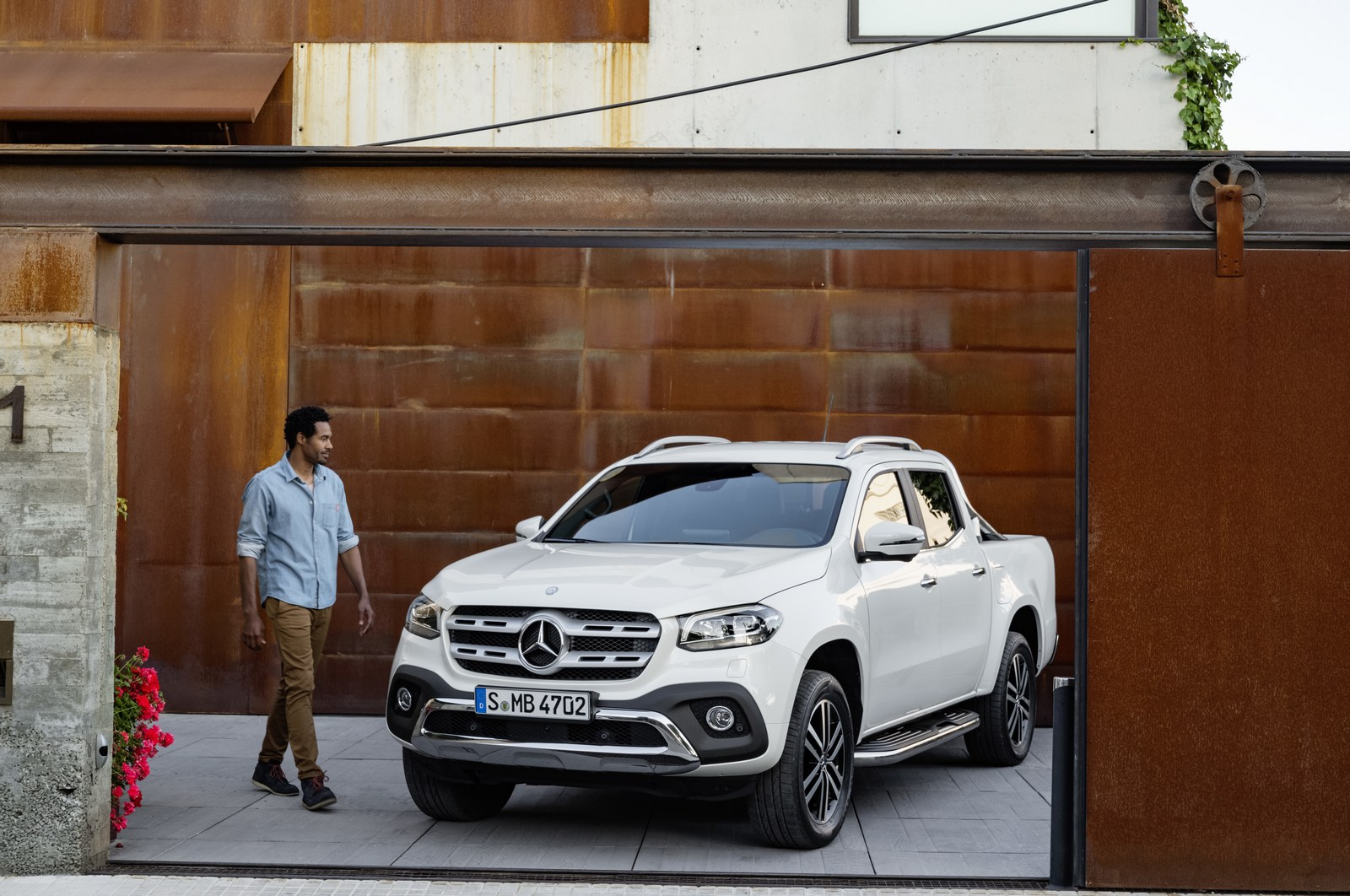 Mercedes-Benz X-Klasse – Exterieur, Beringweiß metallic, Ausstattungslinie POWER 