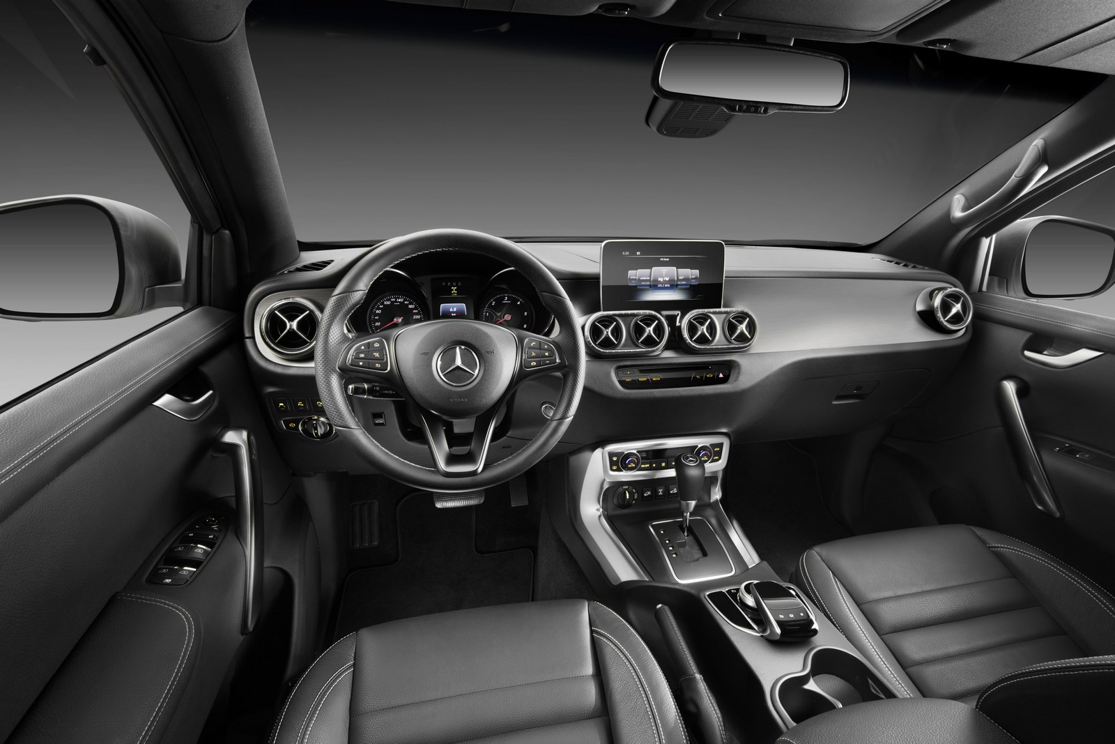 Mercedes-Benz X-Klasse – Interieur, Ausstattungslinie POWER   Mercedes-Benz X-Class – Interior, design and equipment line POWER