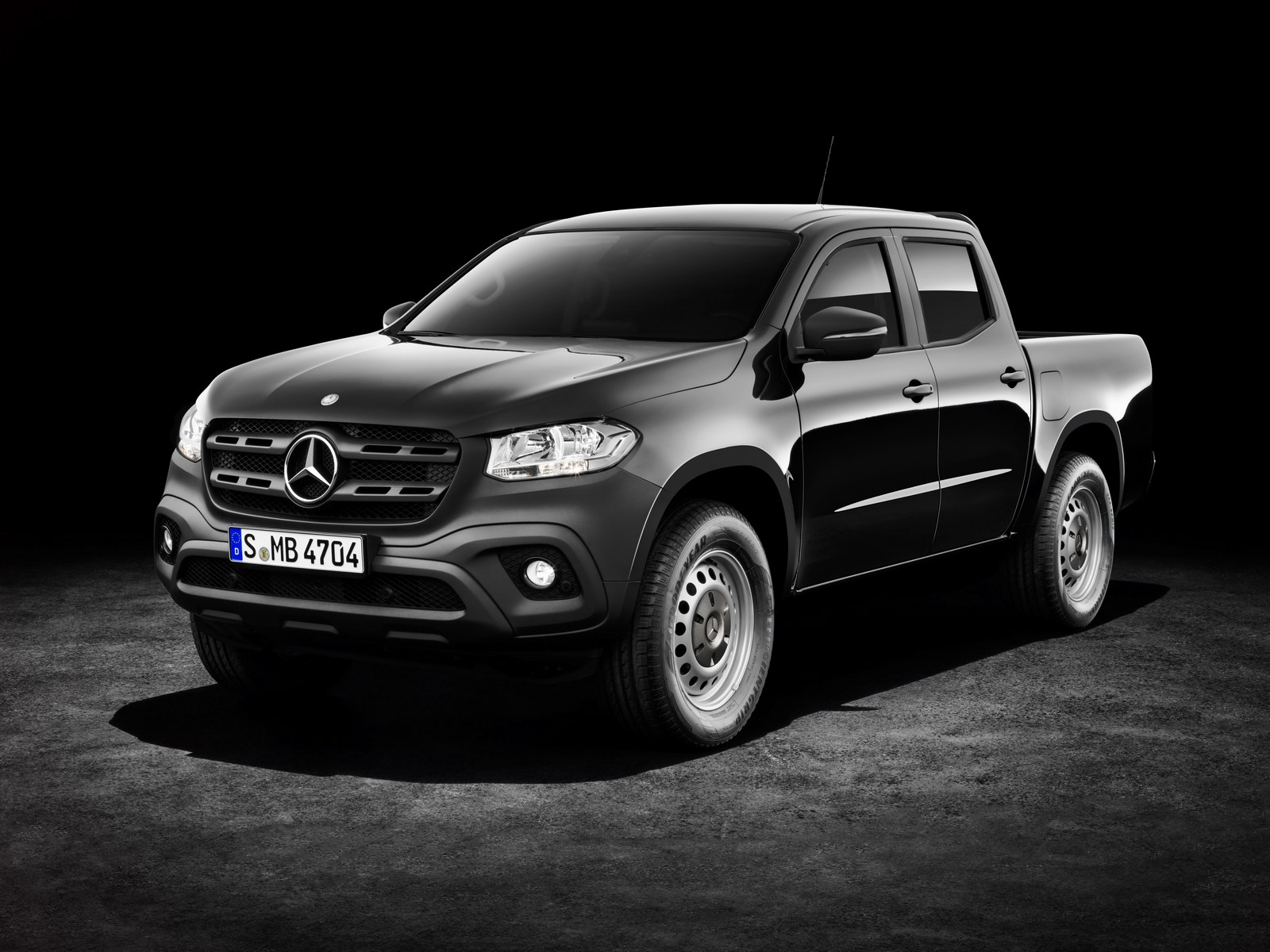 Mercedes-Benz X-Klasse – Exterieur, Kabaraschwarz metallic, Ausstattungslinie PURE   Mercedes-Benz X-Class – Exterior, kabara black metallic, design and equipment line PURE