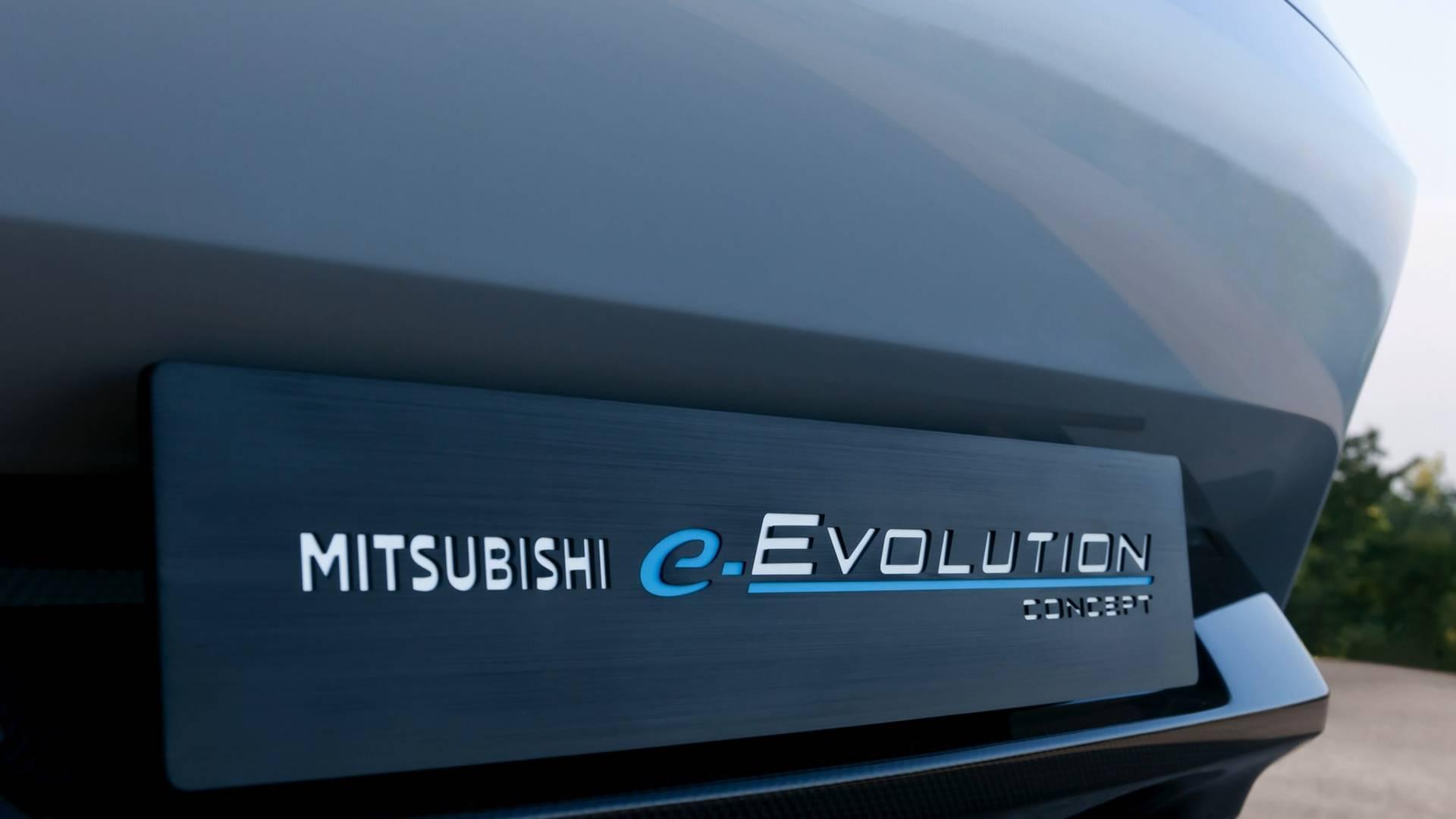 2017-mitsubishi-e-evolution-concept (30)