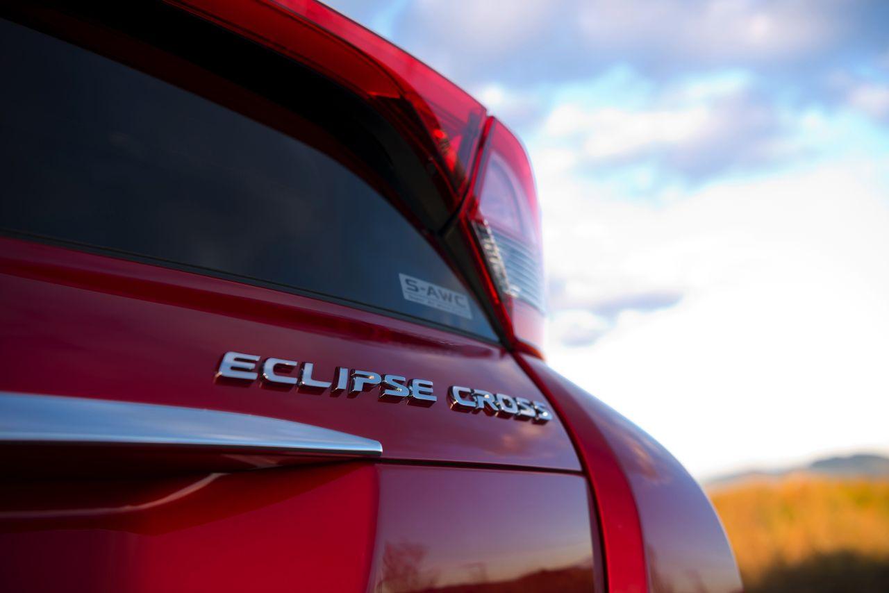 Mitsubishi-Eclipse-Cross-2017-25