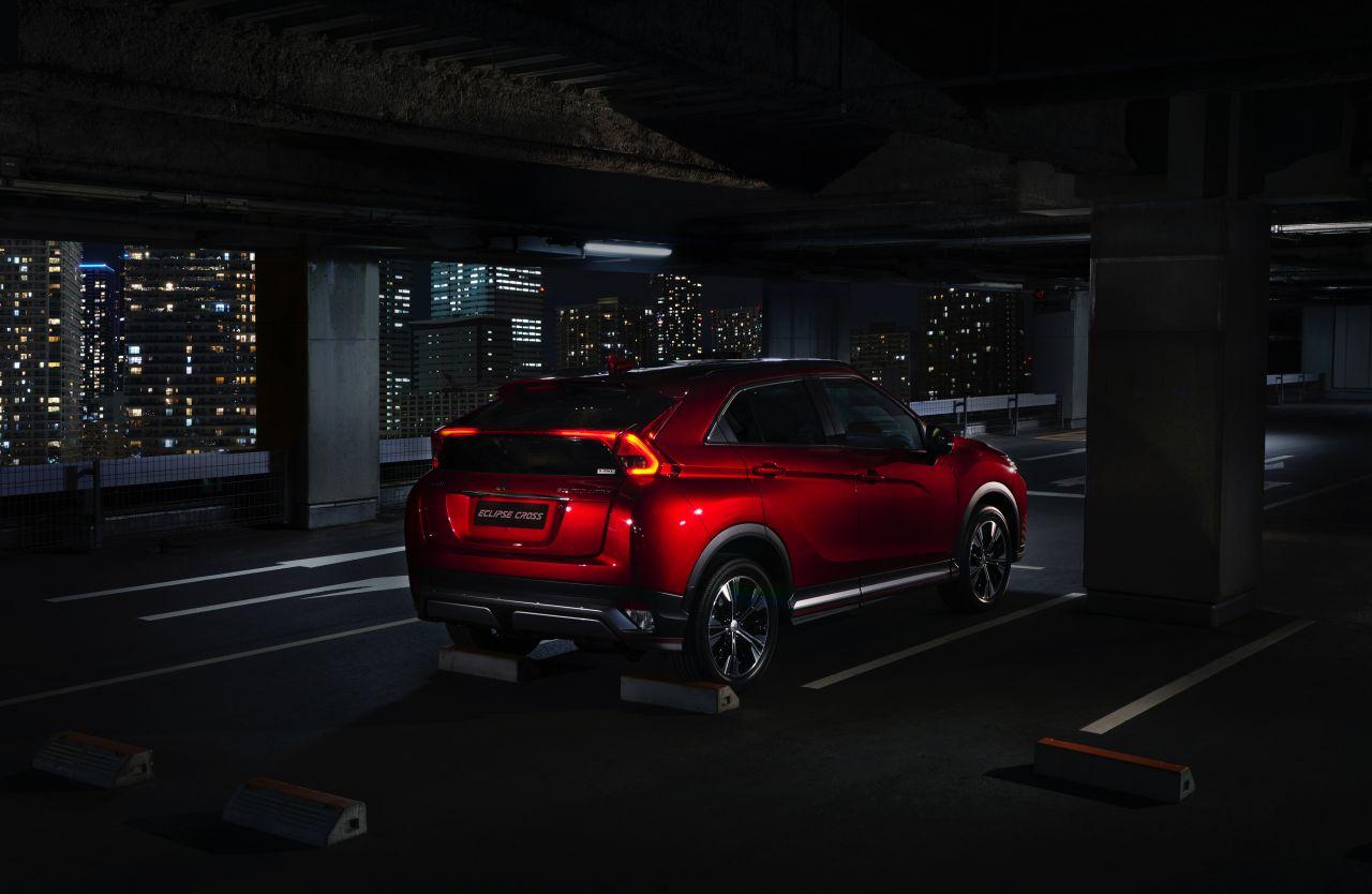 Mitsubishi-Eclipse-Cross-2017-44