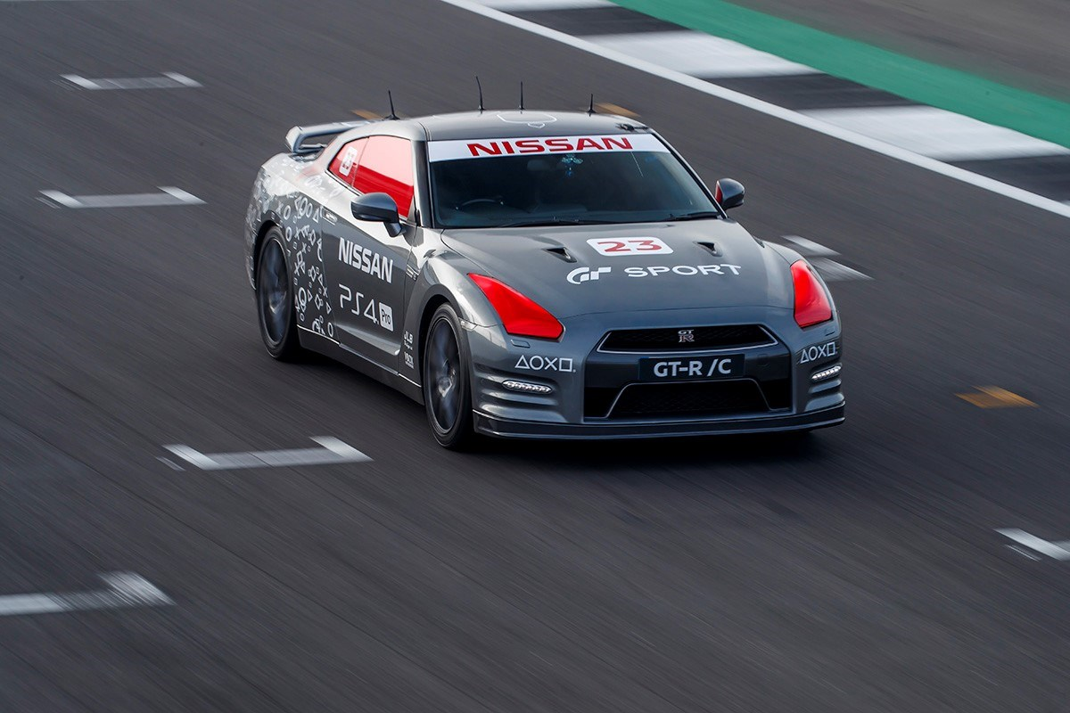 World-first PlayStation®-controlled Nissan GT-R achieves 130+mph run around Silverstone