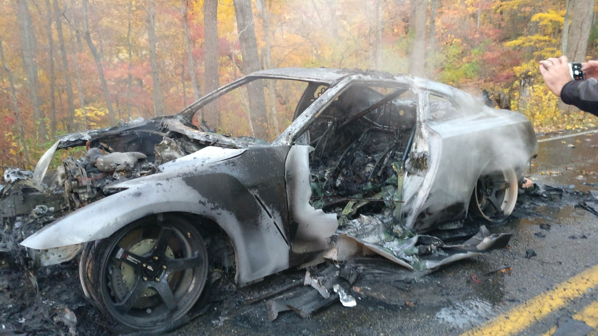 Nissan GT-R Nismo Burns (1)