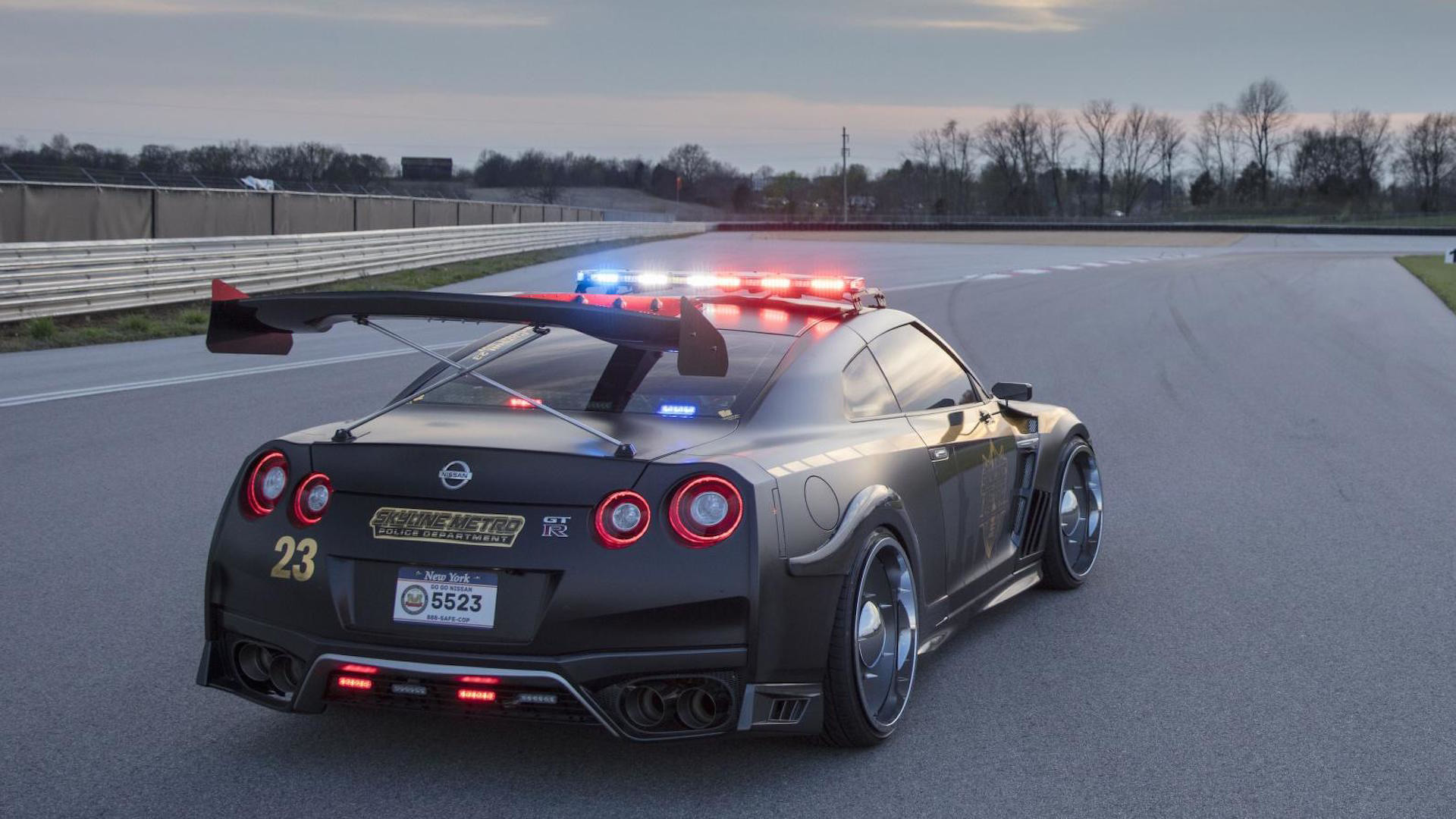 nissan-gt-r-police-pursuit (3)
