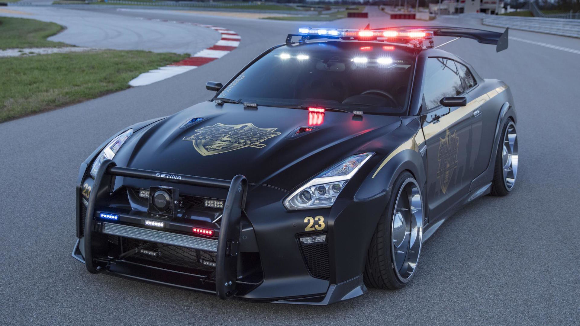 nissan-gt-r-police-pursuit