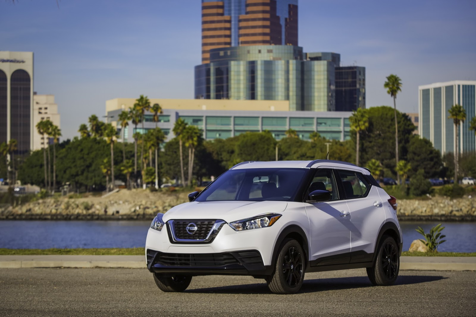 2018-Nissan-Kicks-33