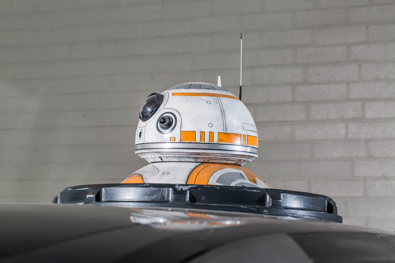Poe Dameron's X-wing leads the New Republic starfleet, with massive fixed wings spanning either side of its Nissan Rogue foundation. Sitting atop the craft is a full-size BB-8 astromech droid with functioning lights, motion and sound.