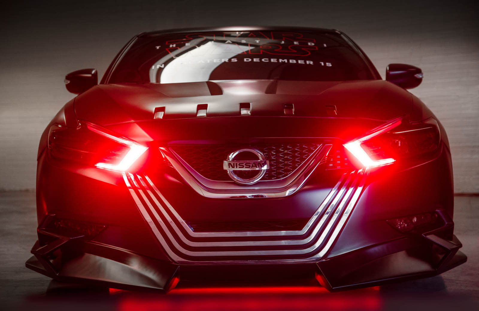 Designers merged Kylo Ren's unmistakable black and silver facemask with the Maxima's V-motion design language using a single block of milled aluminum for the front of the 4-Door Sports Car.