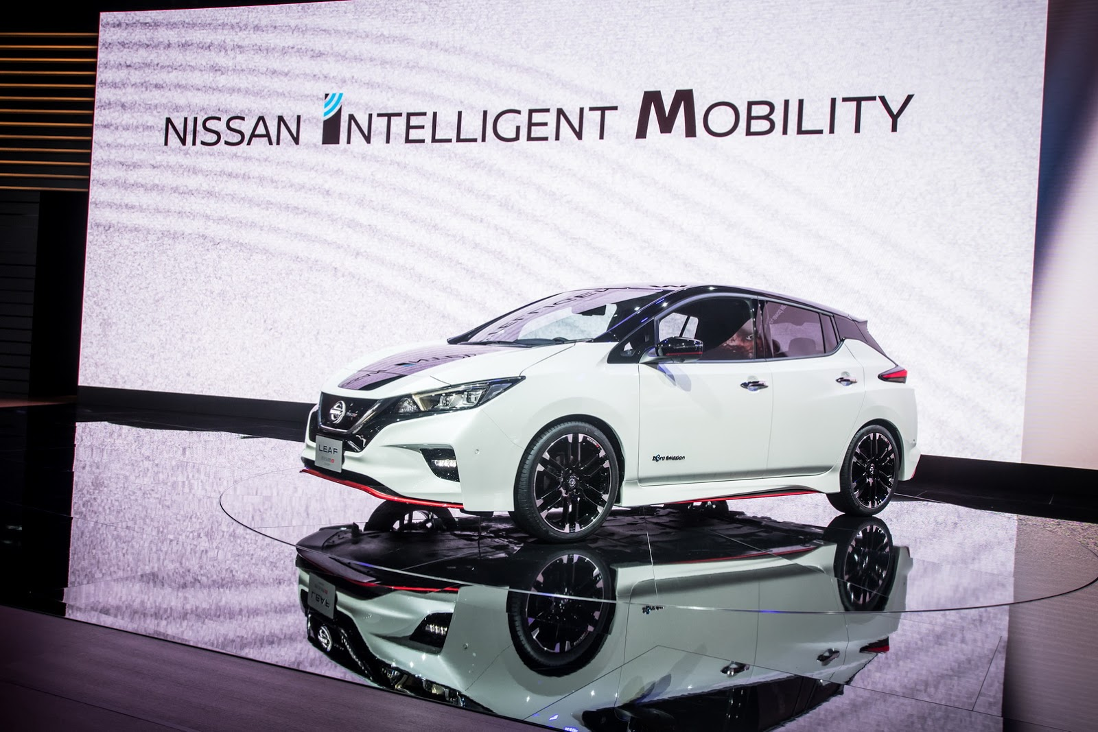 Nissan_Leaf_Nismo_0006