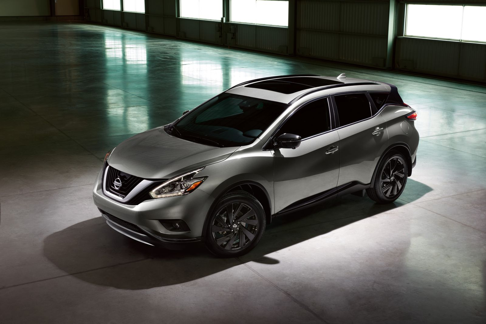 Like Rogue, the 2017.5 Murano Special Edition package adds strong visual impact to one of Nissan's fastest growing models. Offered on the Platinum grade level, it includes exclusive black 20-inch Midnight Edition aluminum-alloy wheels, black roof rails, black mirror caps, black splash guards and available Midnight Edition floor mats. It is offered in a choice of Pearl White, Cayenne Red, Gun Metallic and Magnetic Black. The package has an MSRP1 of $1,195 USD and is on sale now.