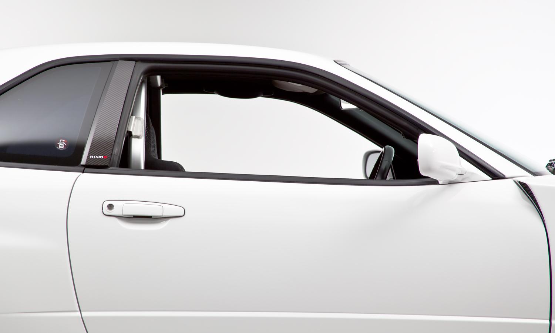 Nissan_R34_GT-R_V-Spec_II_Nür_R-Tune_01