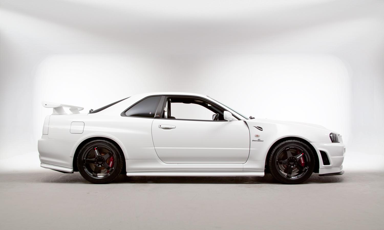 Nissan_R34_GT-R_V-Spec_II_Nür_R-Tune_02