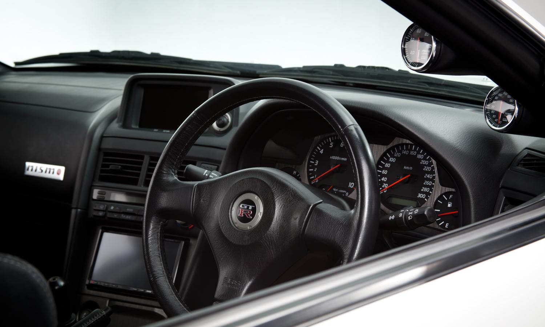 Nissan_R34_GT-R_V-Spec_II_Nür_R-Tune_17