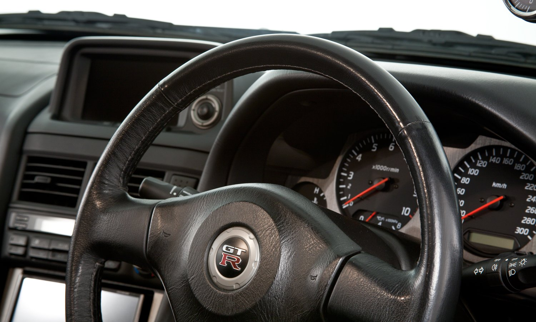 Nissan_R34_GT-R_V-Spec_II_Nür_R-Tune_18