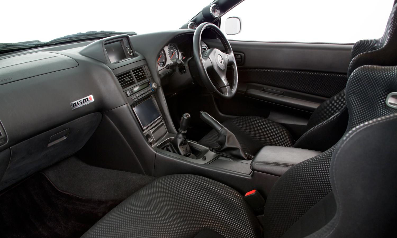 Nissan_R34_GT-R_V-Spec_II_Nür_R-Tune_19