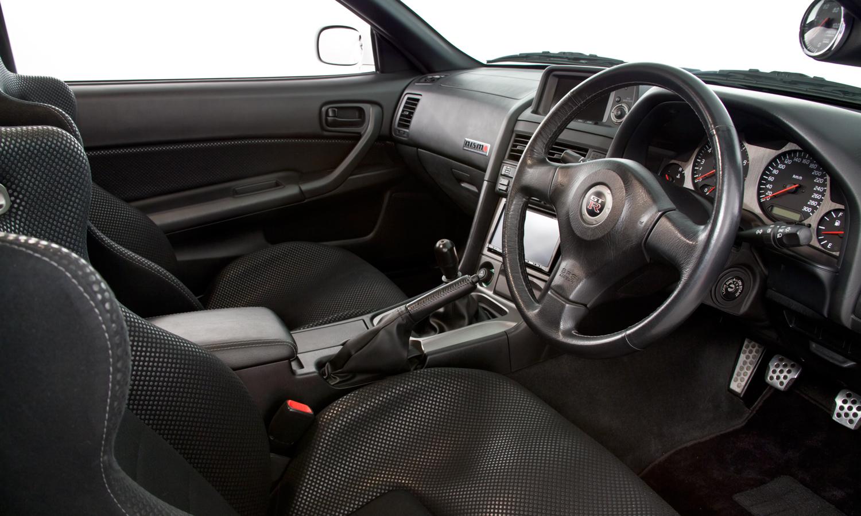 Nissan_R34_GT-R_V-Spec_II_Nür_R-Tune_20