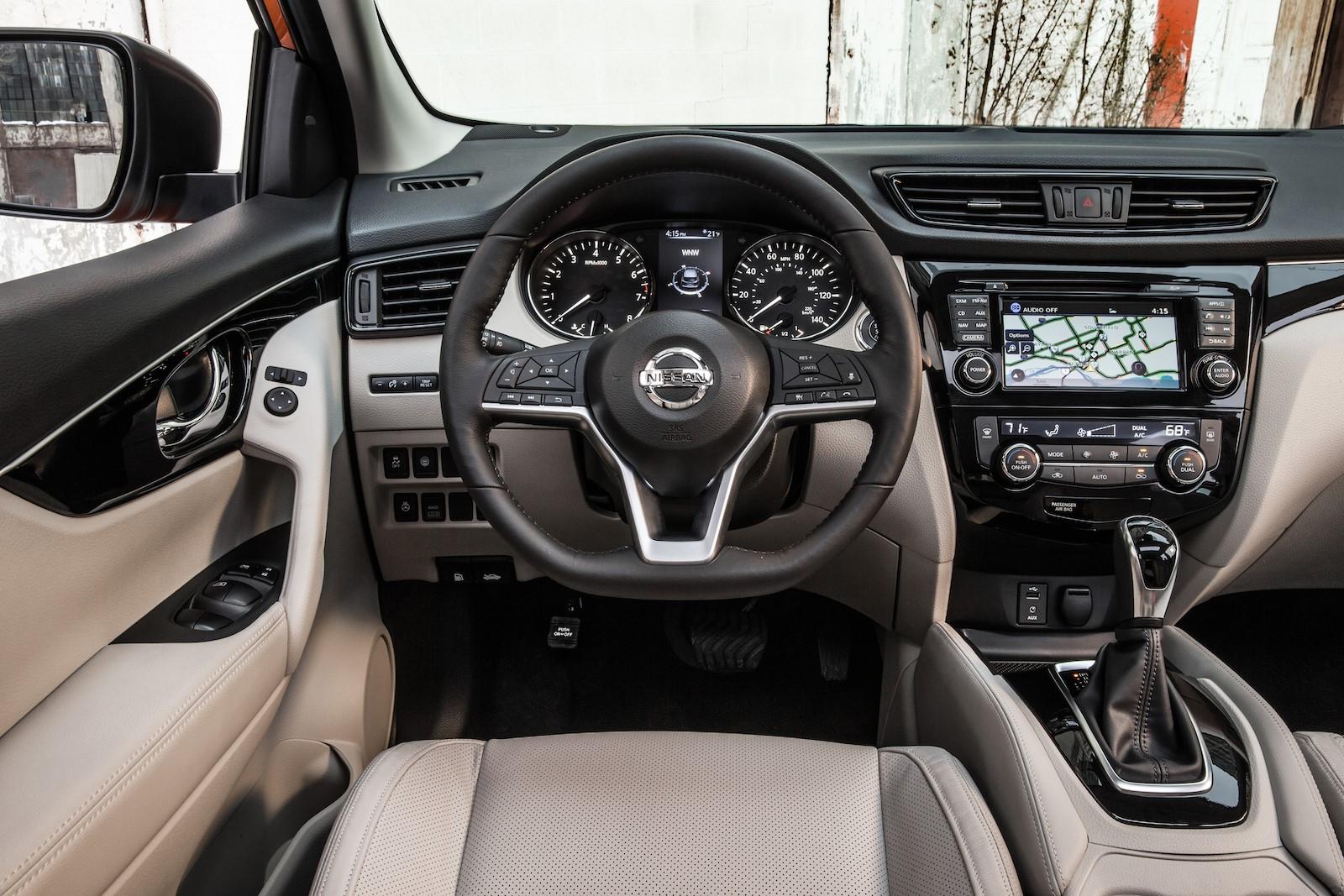 Nissan Rogue Sport 2017 (15)