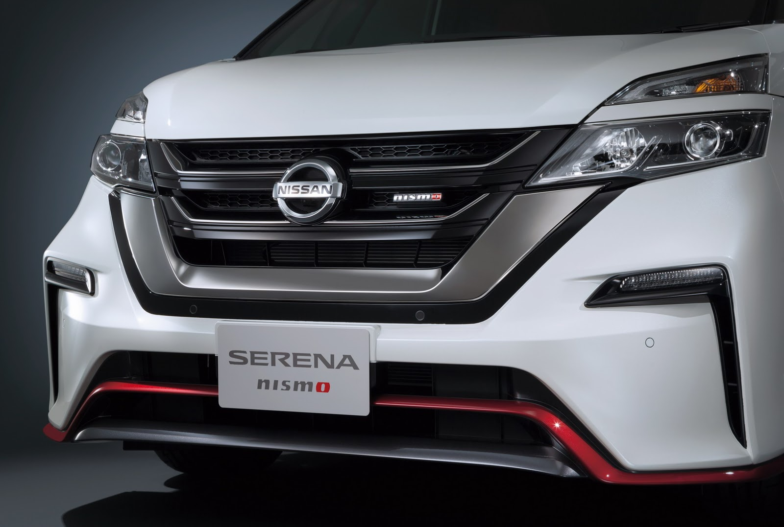 Nissan_Serena_Nismo_12