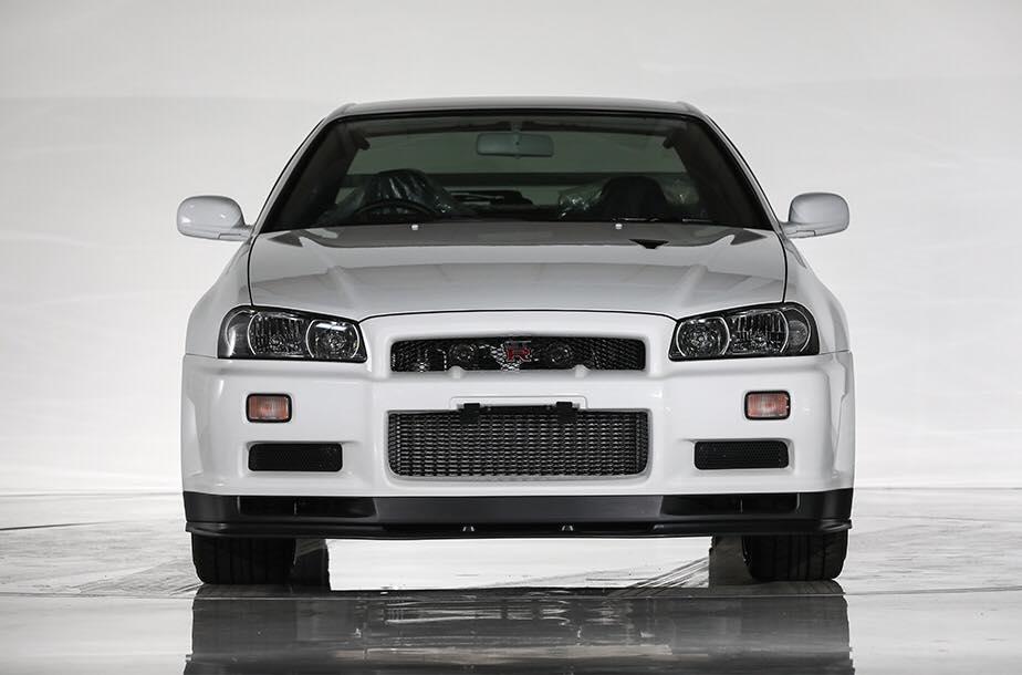 Nissan_Skyline_GT-R_V-Spec_ll_NuR_0000