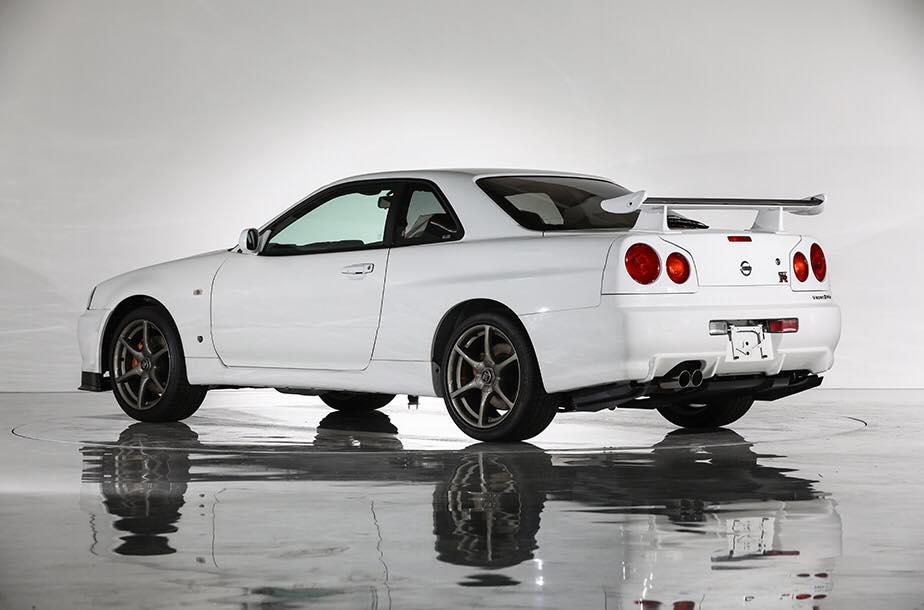 Nissan_Skyline_GT-R_V-Spec_ll_NuR_0001