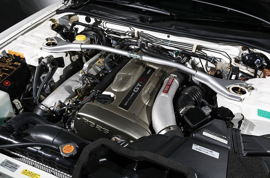 Nissan_Skyline_GT-R_V-Spec_ll_NuR_0002