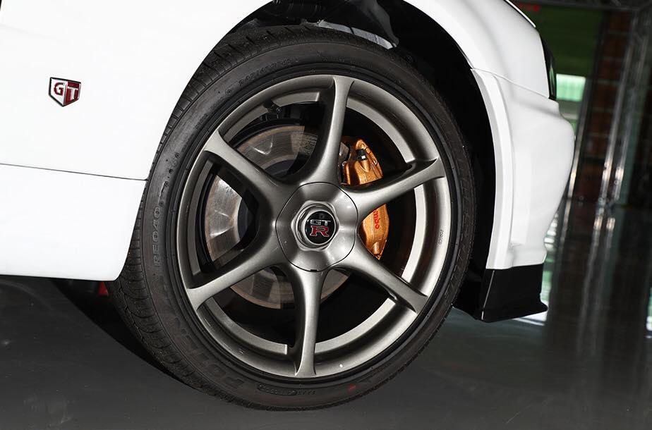 Nissan_Skyline_GT-R_V-Spec_ll_NuR_0010