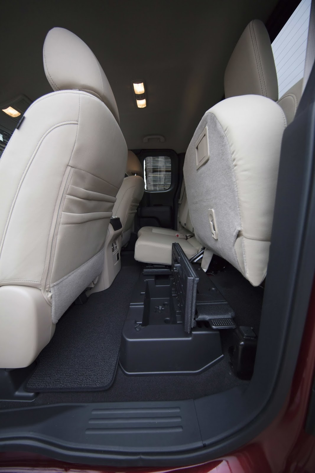 Nissan Titan King Cab 2017 (10)