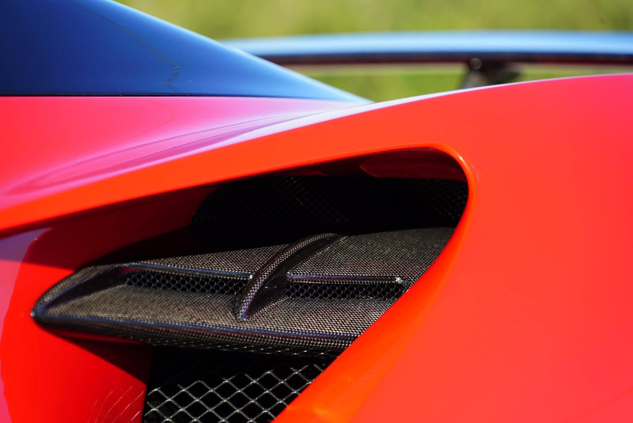 Ferrari-488-Spider-N-Largo-12