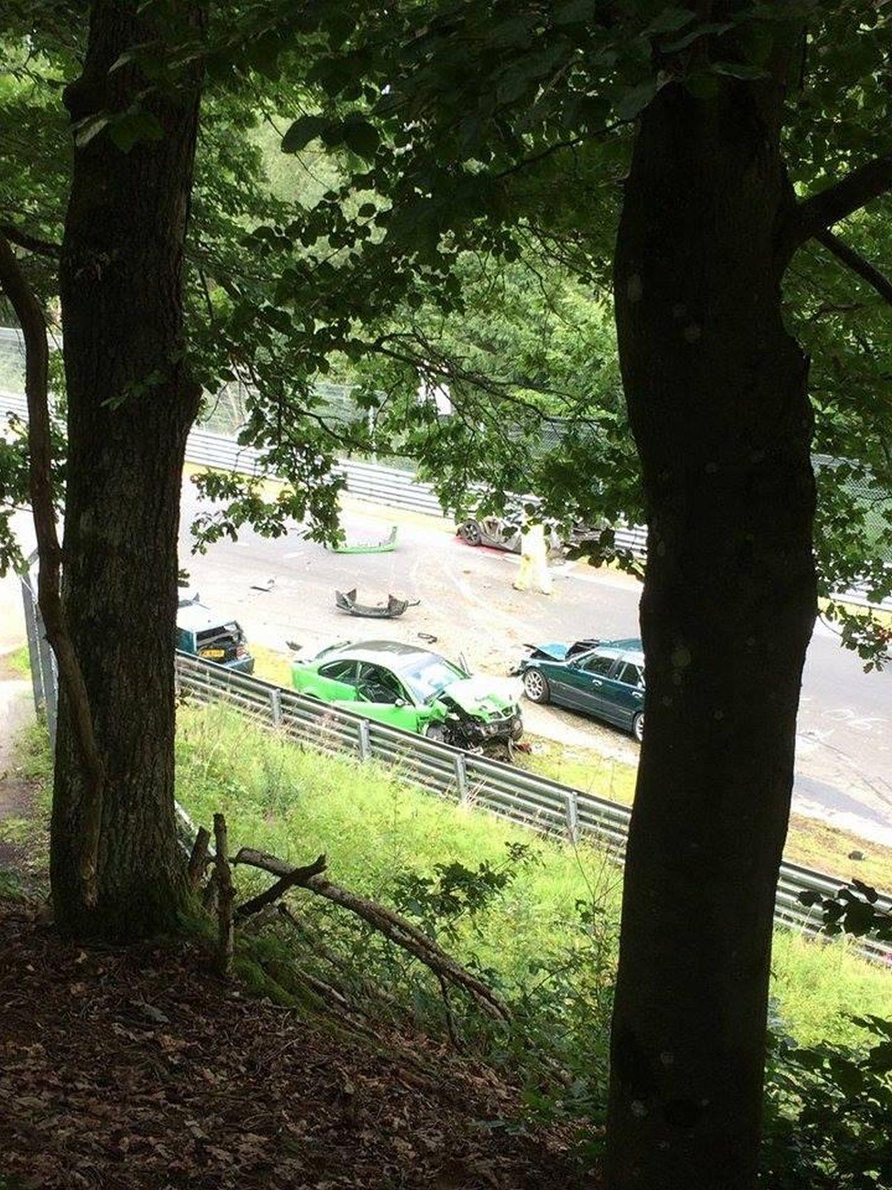 Nurburgring crash august 2017 (1)