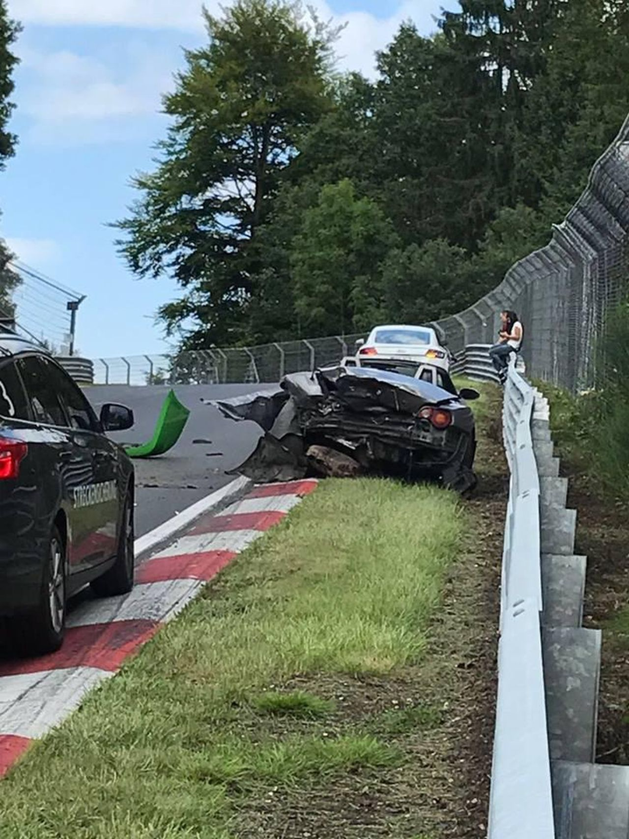 Nurburgring crash august 2017 (11)