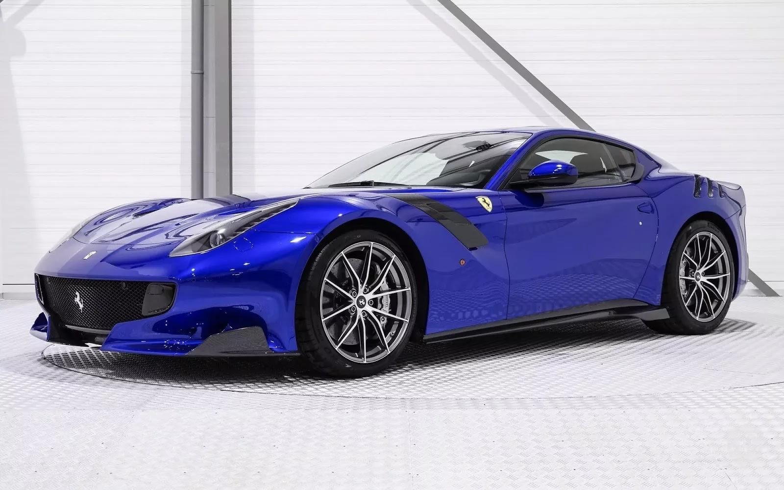 One-Off_Electric_Blue_Ferrari_F12tdf_01