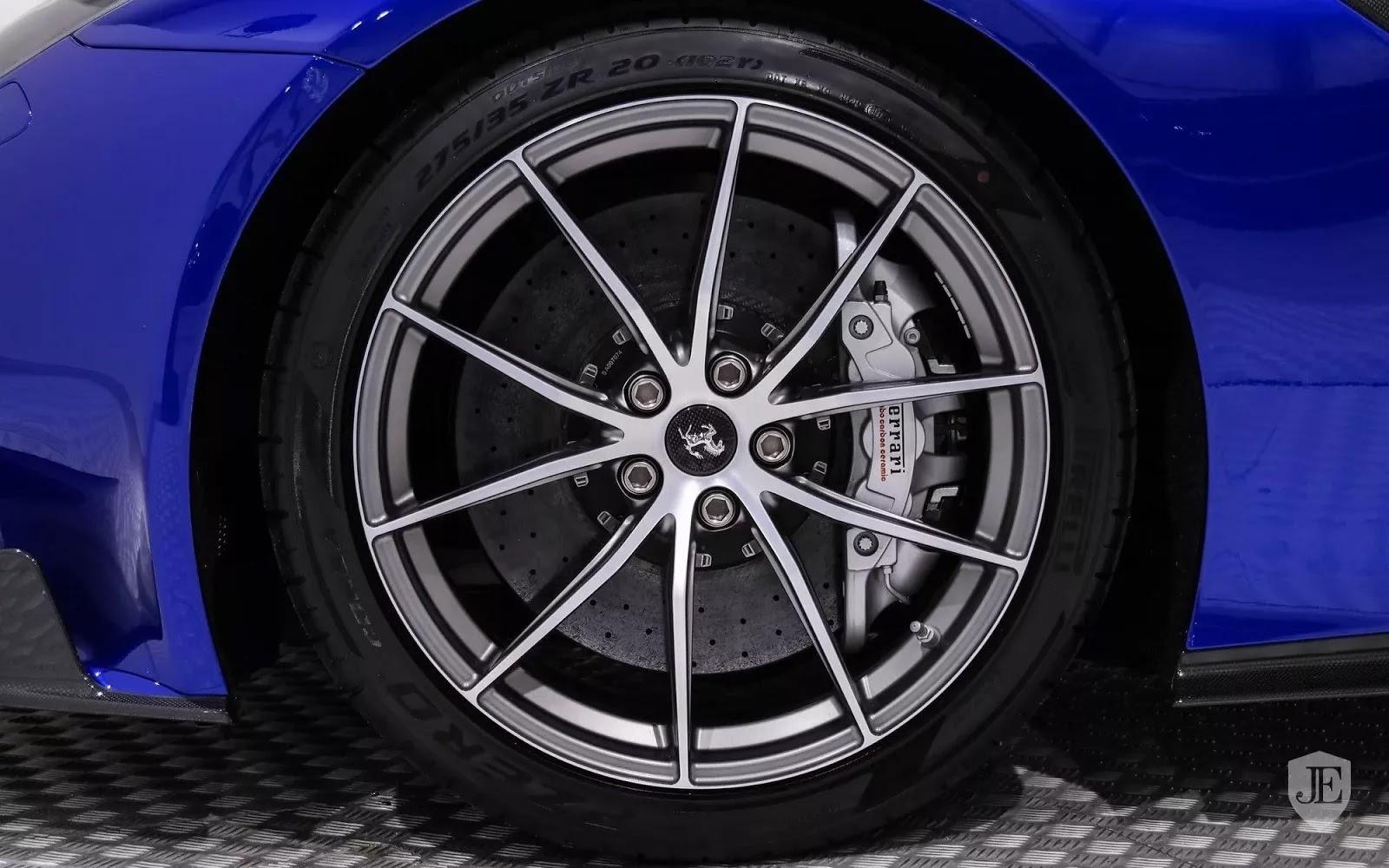 One-Off_Electric_Blue_Ferrari_F12tdf_06