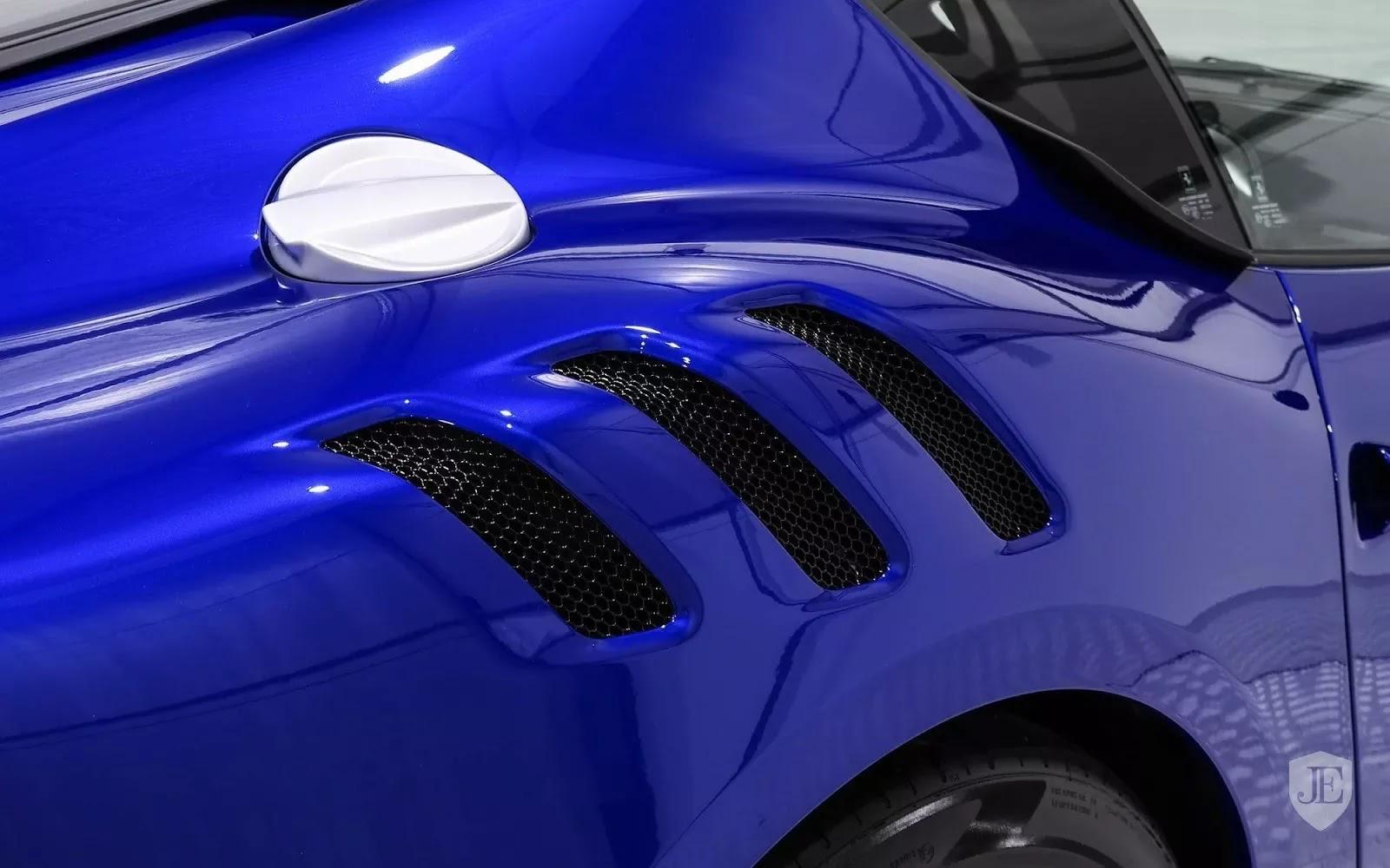 One-Off_Electric_Blue_Ferrari_F12tdf_11