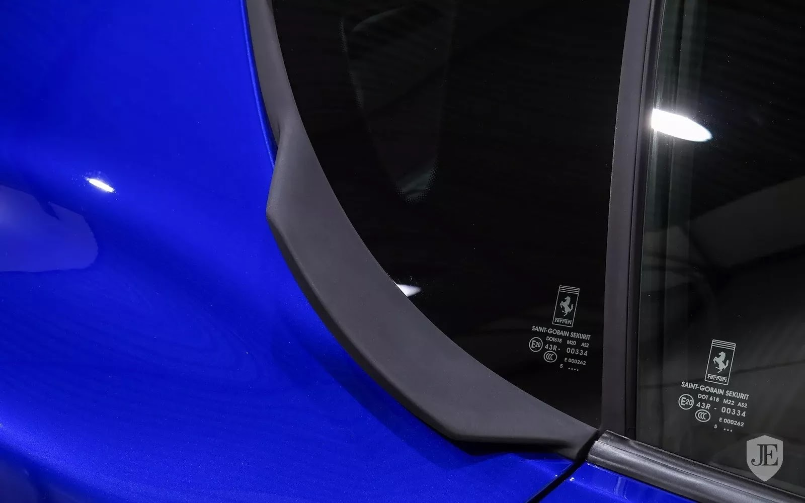 One-Off_Electric_Blue_Ferrari_F12tdf_12