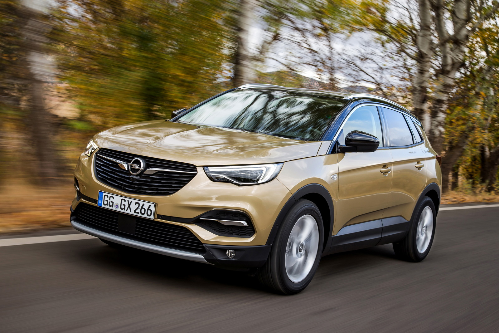 Top diesel for Opel Grandland X: The new SUV is now available with the 130 kW/177 hp 2.0-litre diesel that also produces 400 Nm maximum torque.