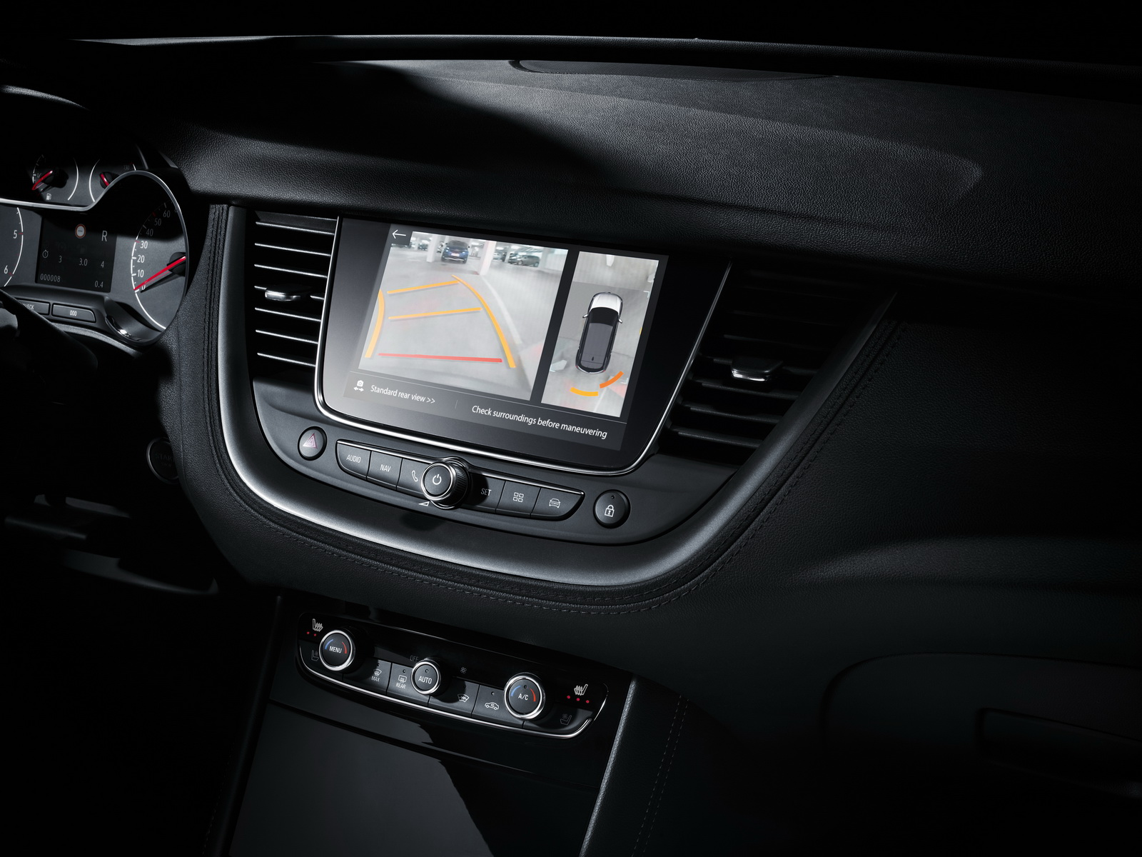 Opel Grandland X Ultimate: The premium equipment level includes assistant systems such as 360 degree camera and automatic Park Assist.