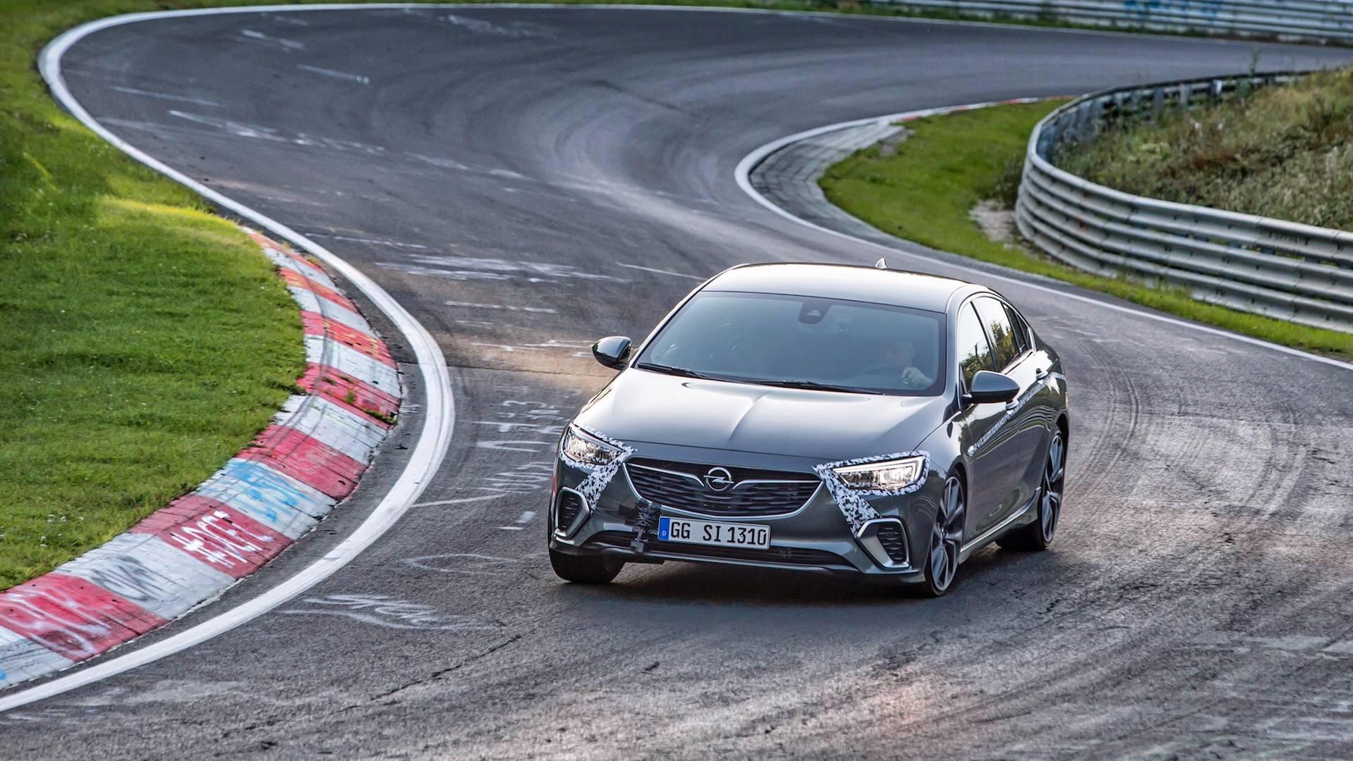 Opel_Insignia_GSi_Nürburgring_02