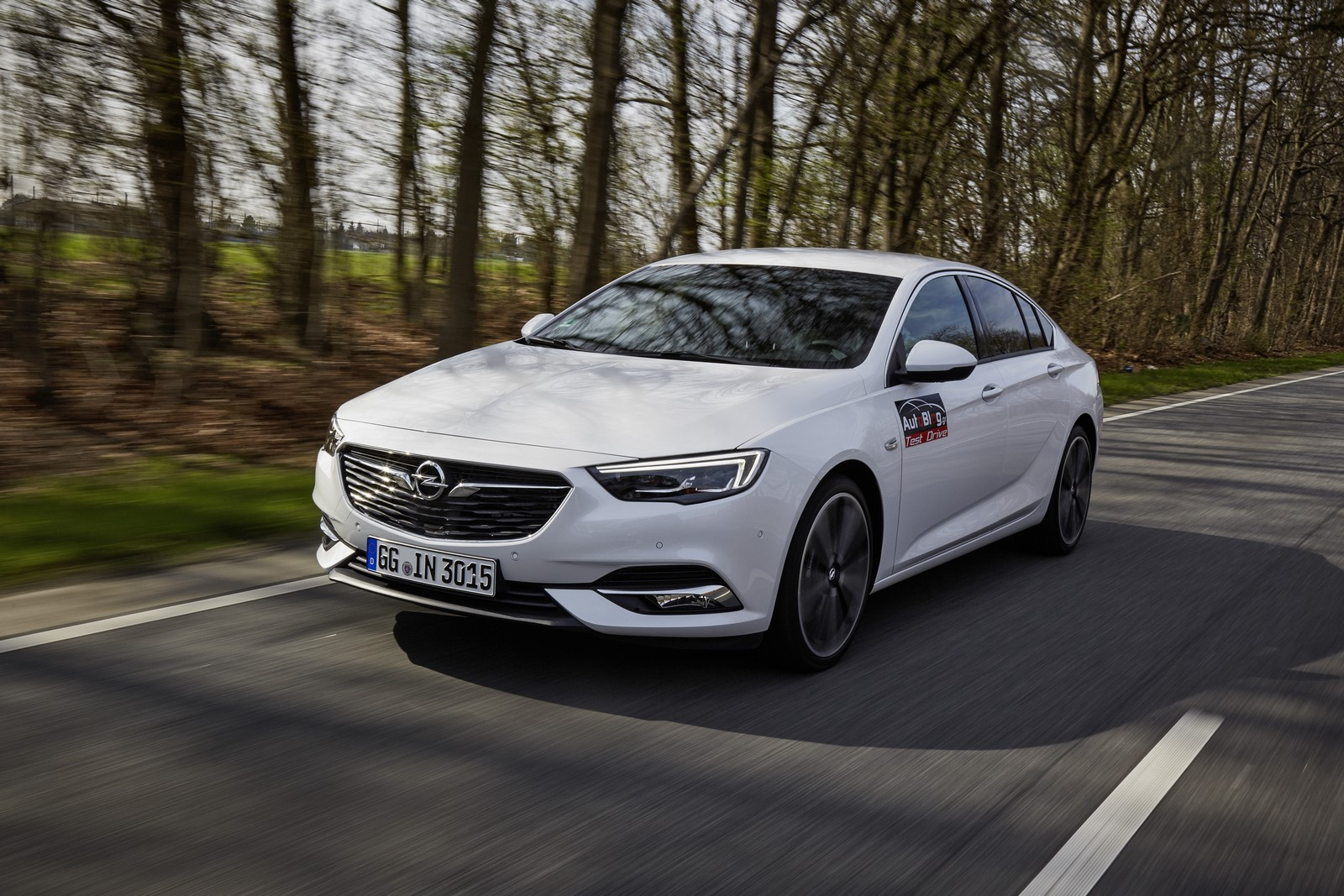 Opel Insignia Sports Tourer 2017 First Test Drive (1)