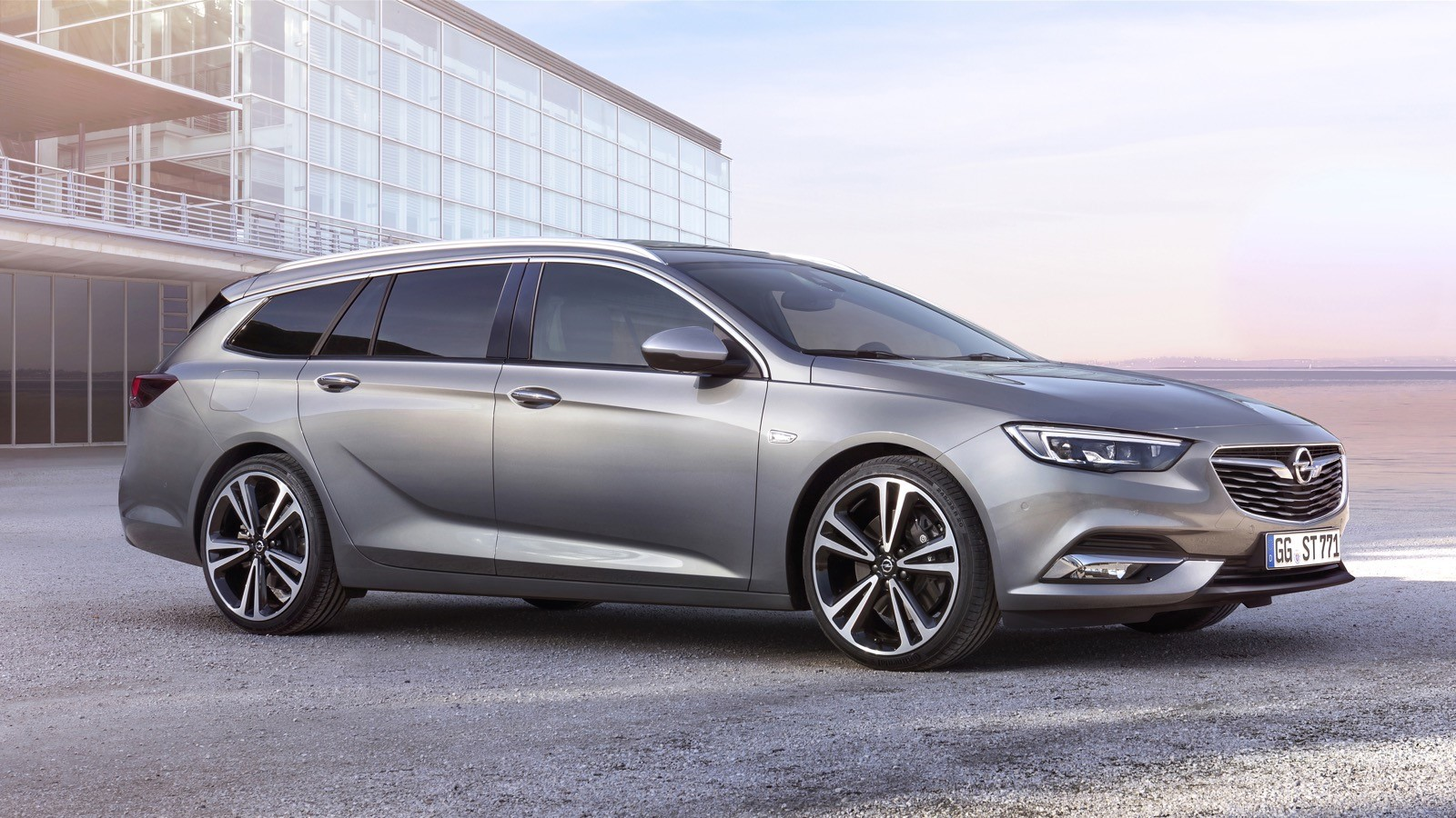 Opel Insignia Sports Tourer 2017 First Test Drive (136)