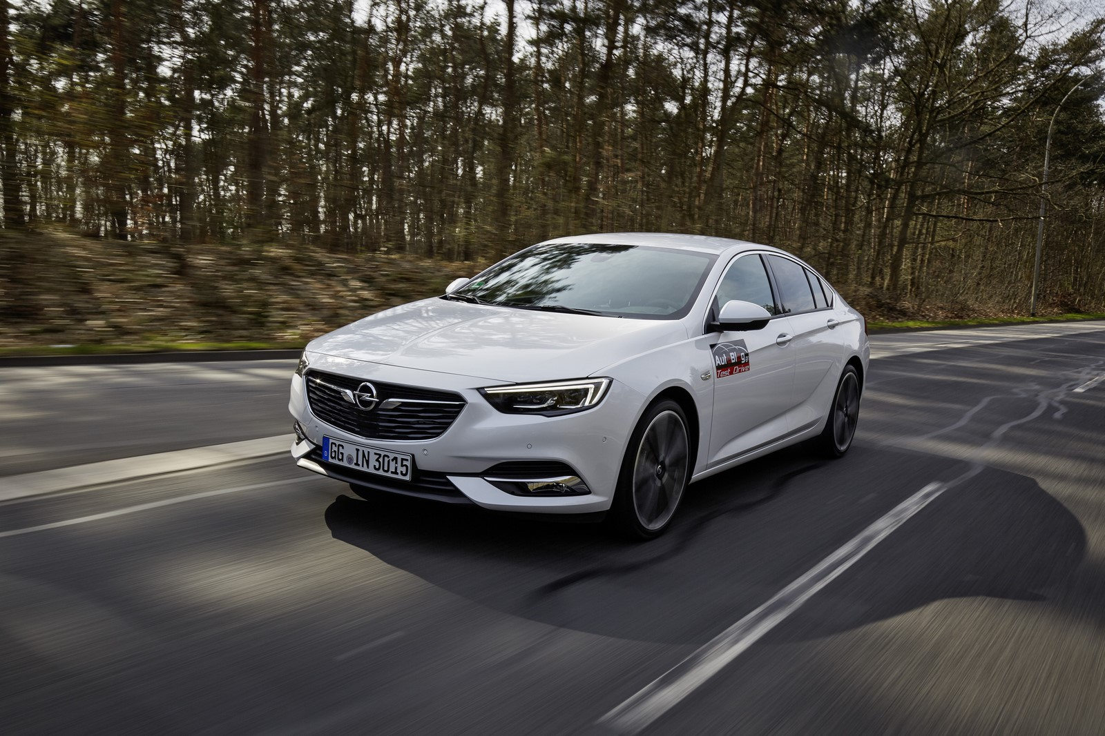 Opel Insignia Sports Tourer 2017 First Test Drive (4)