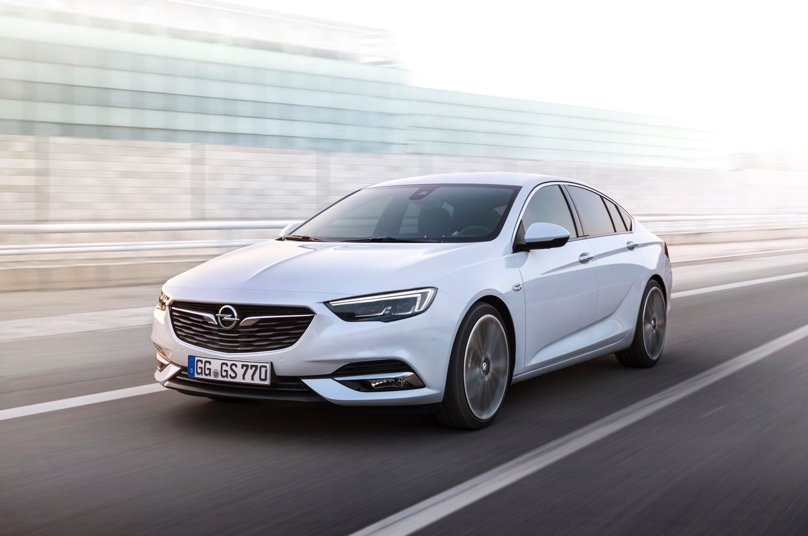 Opel Insignia Sports Tourer 2017 First Test Drive (61)