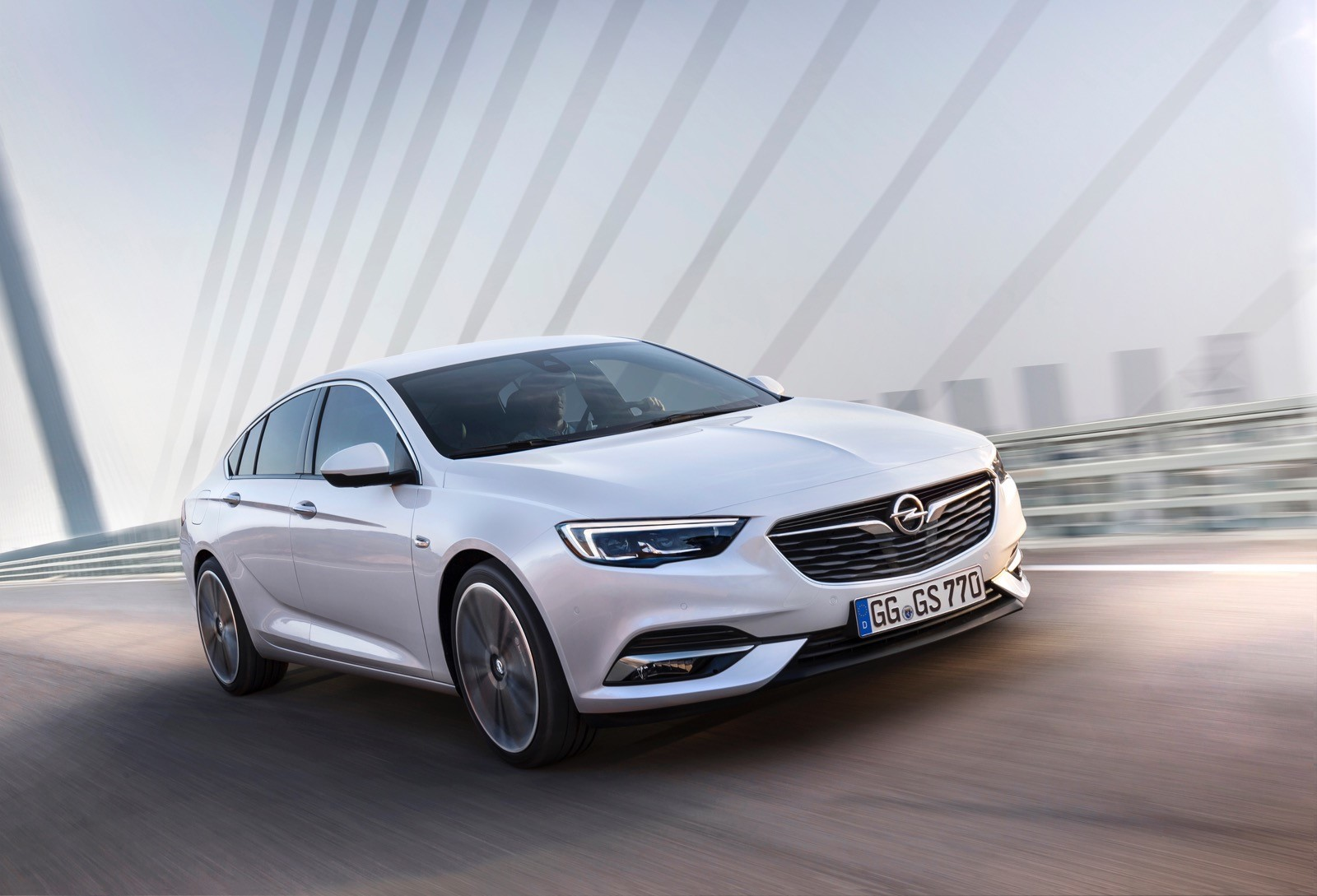 Opel Insignia Sports Tourer 2017 First Test Drive (64)