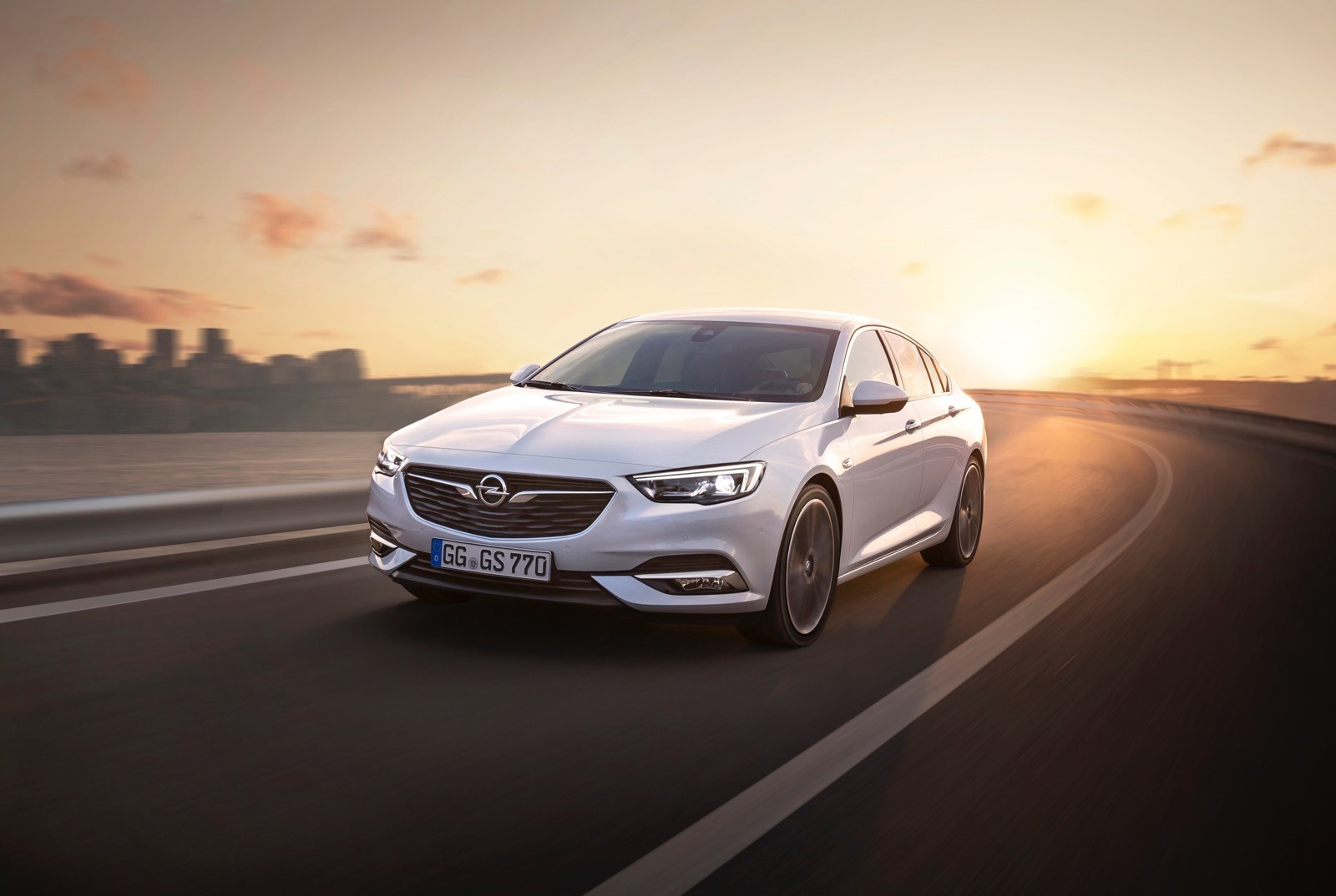Opel Insignia Sports Tourer 2017 First Test Drive (66)