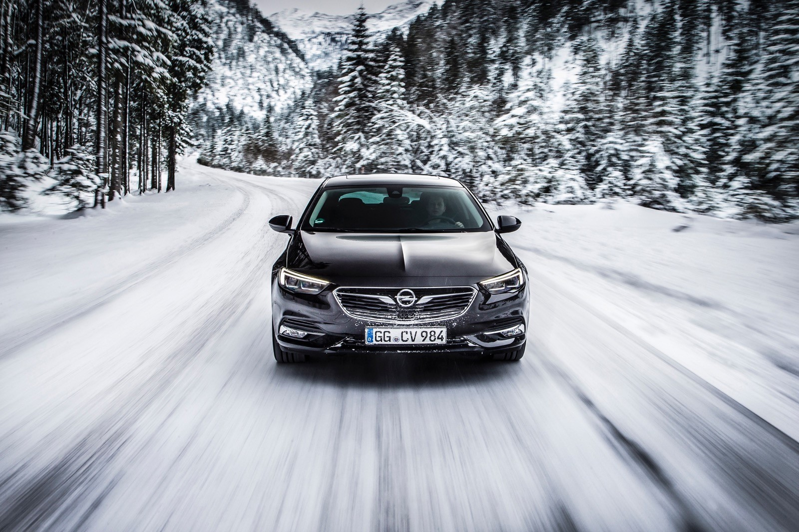 Opel Insignia Sports Tourer 2017 First Test Drive (69)