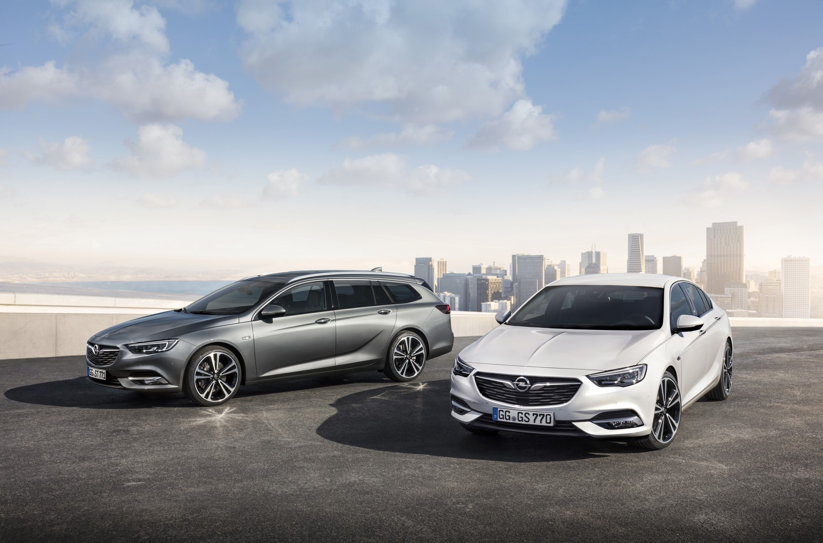 Opel Insignia Sports Tourer 2017 First Test Drive (7)