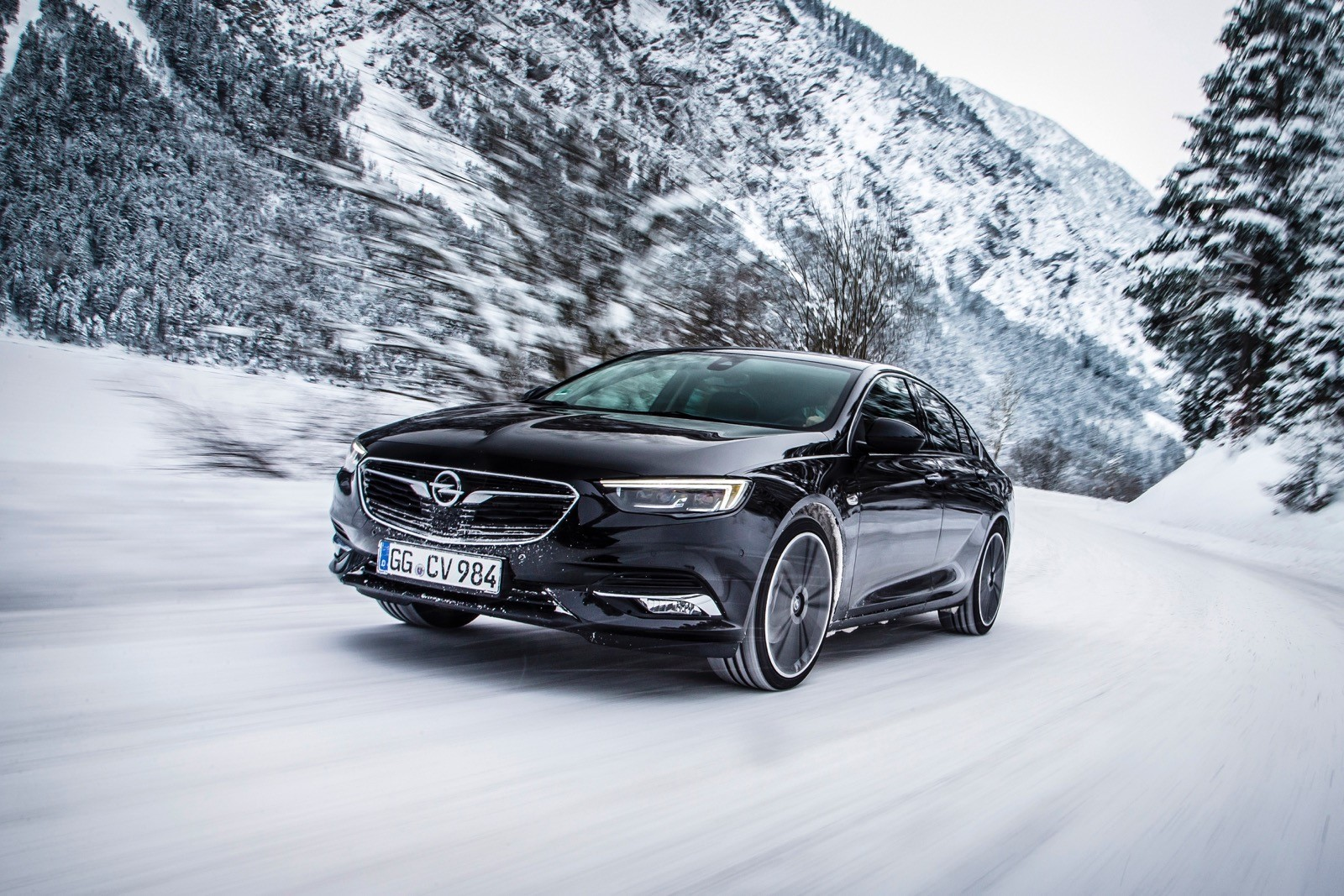 Opel Insignia Sports Tourer 2017 First Test Drive (71)