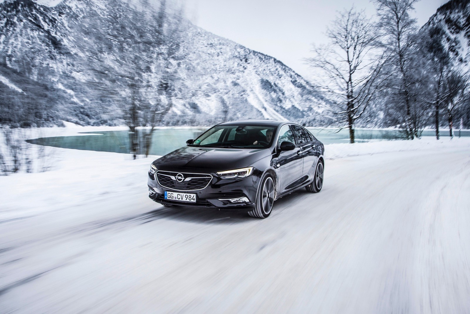 Opel Insignia Sports Tourer 2017 First Test Drive (72)