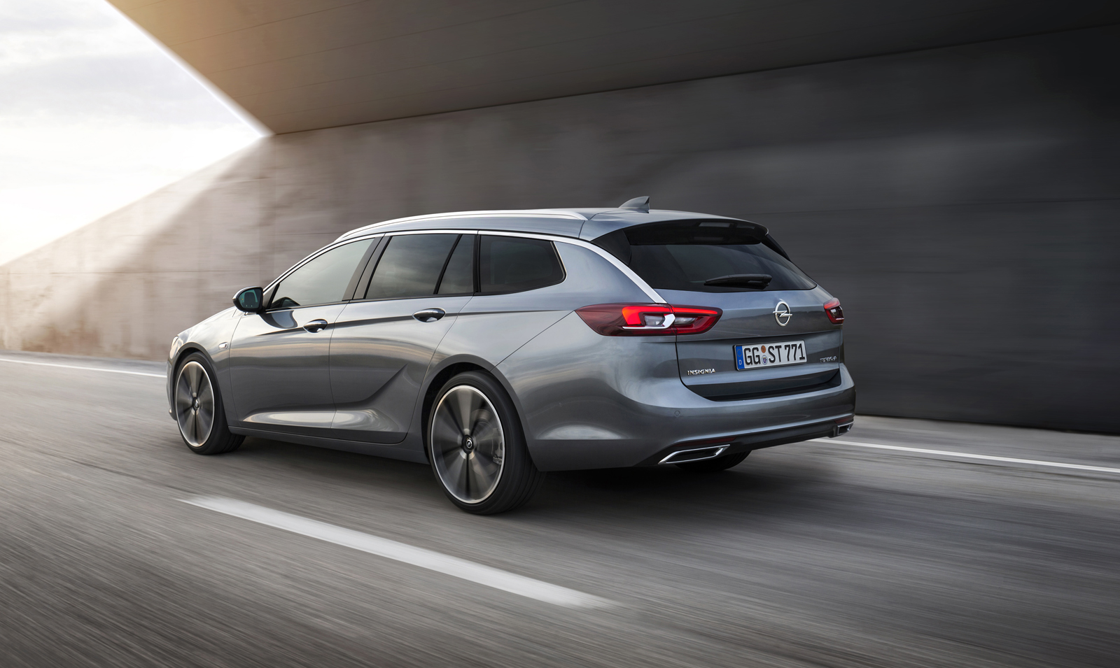 Opel_Insignia_Sports_Tourer_05