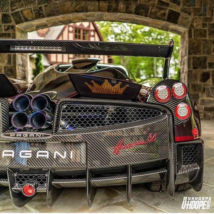 Pagani Huayra BC red carbon (1)